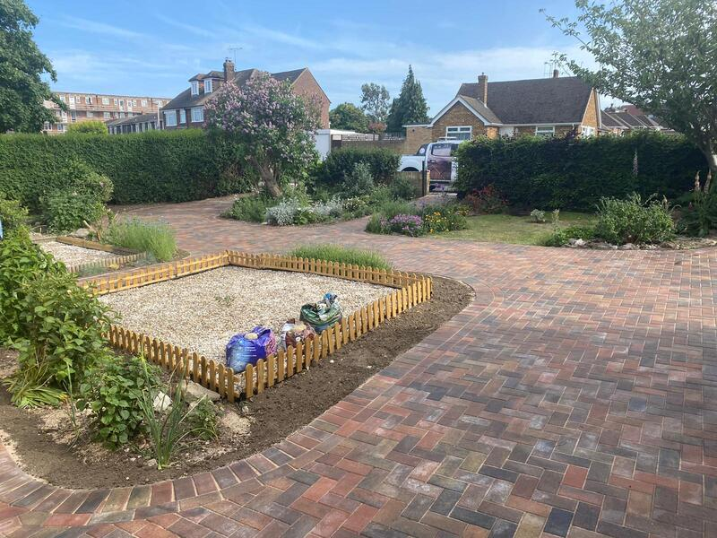 park stone drives patios driveways driveway contractor fitters installers installation contractors services suppliers paving landscaping garden gardening fencing fences ellesmere port chester wirral birkenhead warrington manchester cheshire experts specialists block paving tarmac gravel loose stone resurface resurfacing